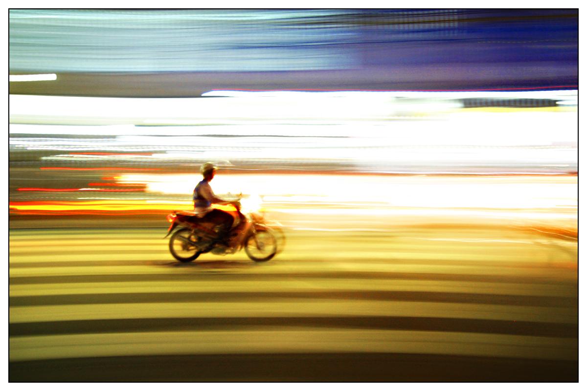 על צומת דלהי-בנגקוק