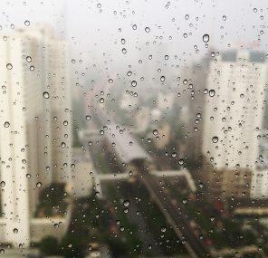 היום השישי והגשם הראשון