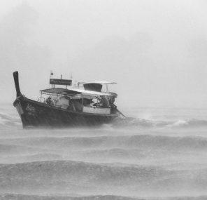 כשהמבול בחוץ לא נוגע בי